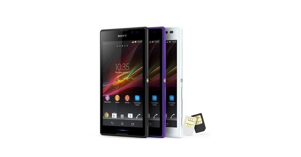 Sony Xperia C (Tela: 5 polegadas). O phablet é um dos poucos representantes da categoria que tem suporte a dois chips de operadoras. Fora isso, o aparelho não traz uma configuração tão potente quanto os concorrentes, mas é um dos mais baratos. No Brasil, o dispositivo é vendido a partir de R$ 899