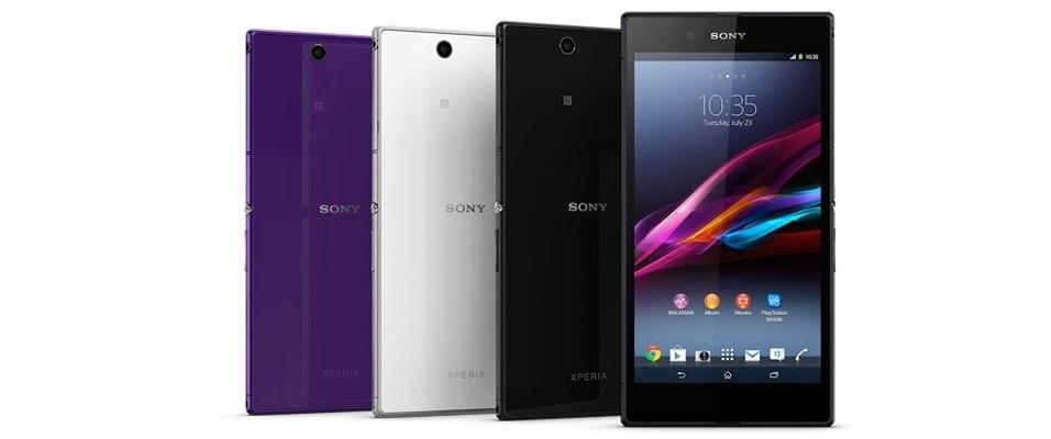 Sony Xperial Z Ultra (Tela: 6,4 polegadas). A resolução da tela do smartphone é Full HD (1,920 x 1.080 pixels). O hardware é potente, com processador quad-core Snapdragon 800 de 2,2 GHz, memória RAM de 2 GB, e câmeras de 8 megapixels (traseira) e 2 megapixels (frontal). O sistema é Android 4.4. O aparelho pesa 212 gramas