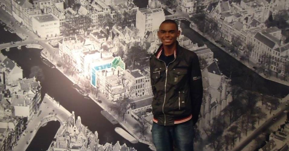 Willian Junio Moreira de Souza, 14, ganhou um concurso de redações com o texto 'Anne Frank e a atualidade' e viajou para a Holanda