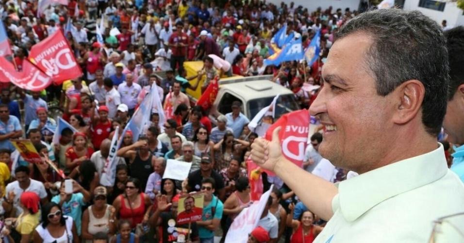 12.set.2014 - O candidato do PT ao Governo da Bahia, Rui Costa, fez carreata no município de Xique-Xique, no oeste do Estado