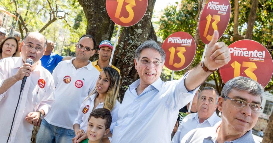 14.set.2014 - O candidato do PT ao governo de Minas Gerais, Fernando Pimentel, recebeu na manhã deste domingo o apoio de ambientalistas do Estado