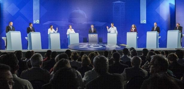 Candidatos à presidência participam de debate nas eleições de 2014