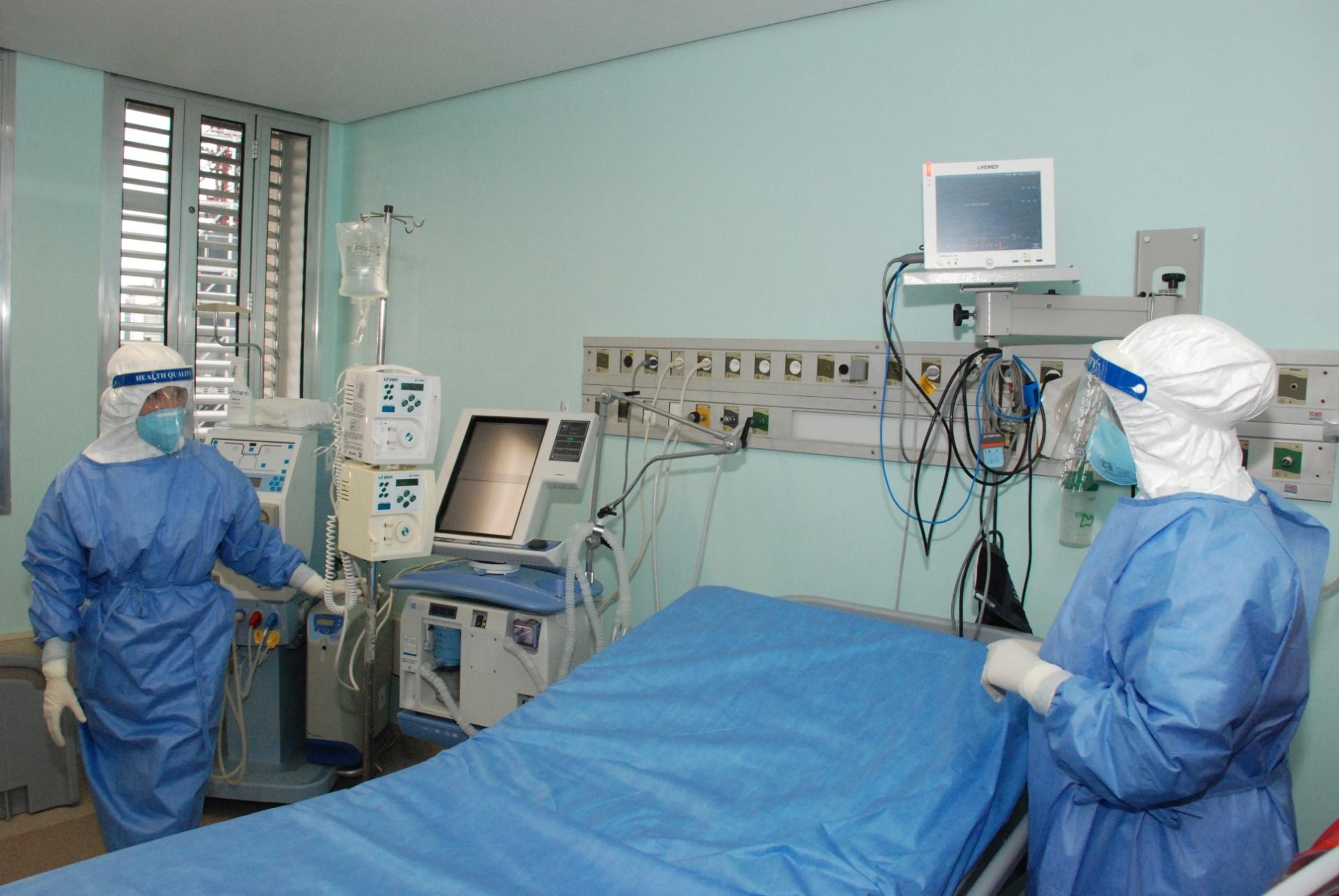 16.set.2014 - 16.set.2014 - O objetivo da simulação é testar o planejamento feito pelos técnicos caso algum paciente com o vírus ebola precise de atendimento ao chegar ao Brasil