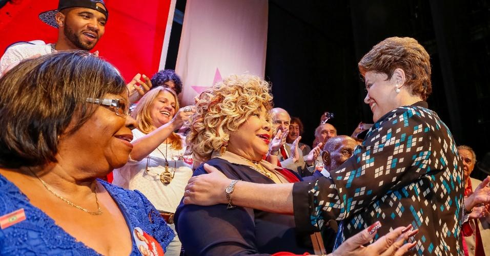 A cantora Alcione declarou apoio à presidente Dilma Rousseff (PT). Ela assinou um manifesto de artistas e intelectuais em favor da petista