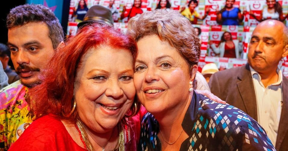 A cantora Beth Carvalho declarou apoio à presidente Dilma Rousseff (PT). Ela assinou um manifesto de artistas e intelectuais em favor da petista