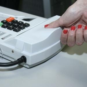 Simulação de uso da urna biométrica no TRE-GO