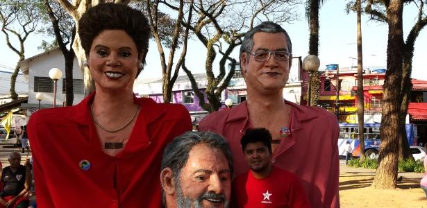 Fabrício Rodrigues, funcionário público da Prefeitura de Guarulhos, afirma ter tirado férias do emprego para participar da campanha de Alexandre Padilha (PT)