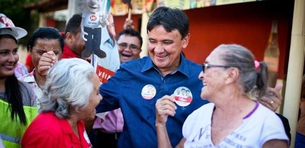Na reta final da campanha a apreensão de um carro com R$ 180 mil dirigido por funcionário de Dias chegou a abalar a campanha do petista
