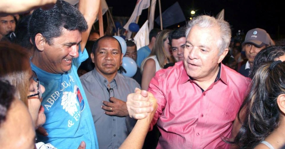 1º.set.2014 - O candidato a governador Neudo Campos (PP) realiza comício no dia de seu aniversário, no bairro de Santa Luzia, na capital Boa Vista