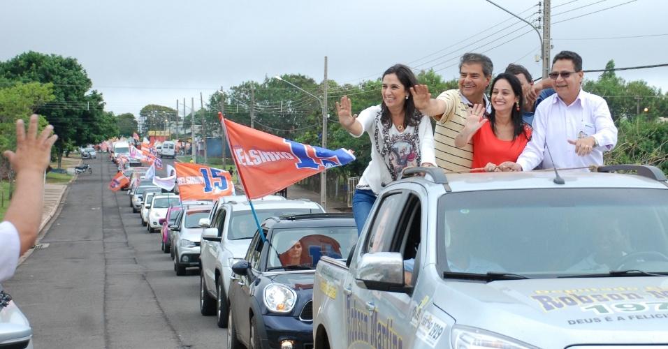 20.set.2014 - Nelson Trad Filho (PMDB), candidato ao governo do Mato Grosso do Sul, realiza carreata no parque Sóter, em Campo Grande
