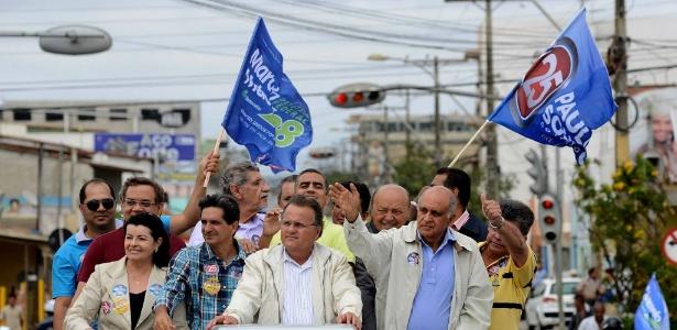 Geddel Vieira Lima, candidato ao Senado pelo PMDB e Paulo Souto (DEM), candidato ao governo da Bahia, fazem campanha em Vitória da Conquista