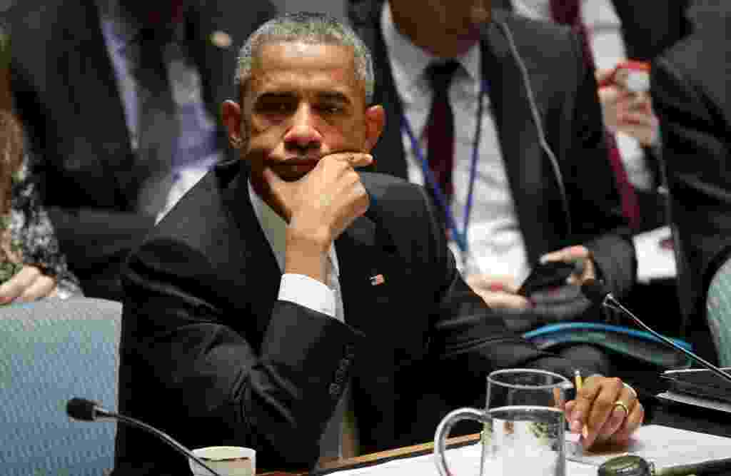 24.set.2014 - O presidente dos EUA, Barack Obama, assiste a discursos durante a Assembleia Geral da ONU, em Nova York, sobre o terrorismo global - Justin Lane/EFE