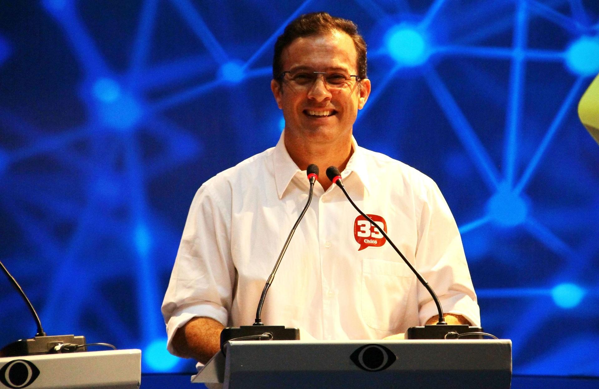 28.ago.2014 - O candidato Chico Preto (PMN) participa do debate com candidatos ao governo do Amazonas na sede do Band Amazonas em Manaus (AM)