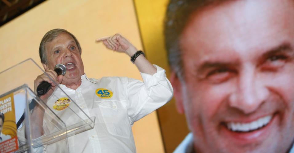 23.ago.2014 - O ex-governador do Ceará Tasso Jereissati, que concorre ao Senado pelo PSDB, faz discurso de lançamento do Plano Nordeste Forte em Salvador, na Bahia