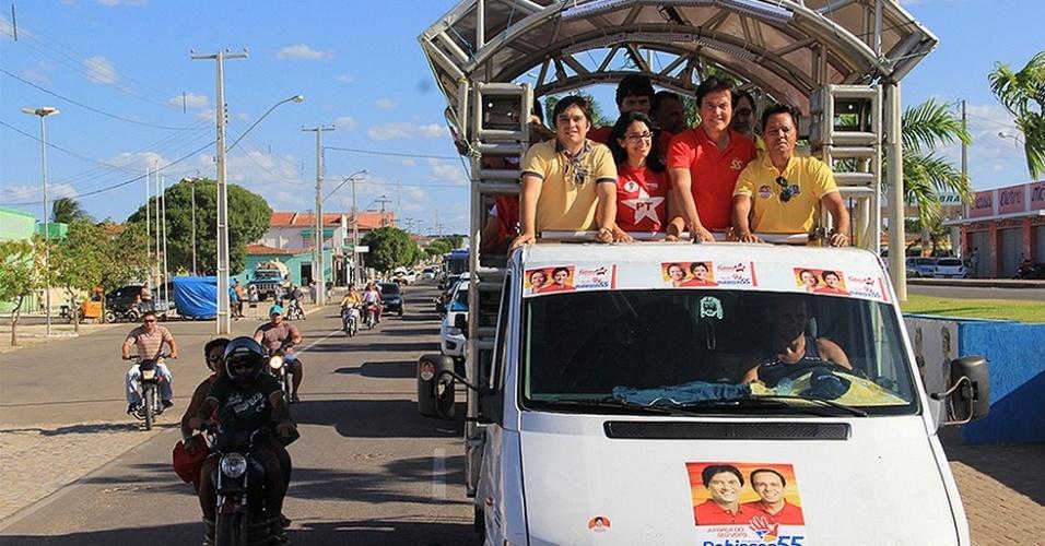 5.ago.2014 - O vice-governador do Rio Grande do Norte, Robinson Faria (PSD), faz campanha ao governo do Estado em chapa que apoia a reeleição da presidente Dilma Rousseff (PT)