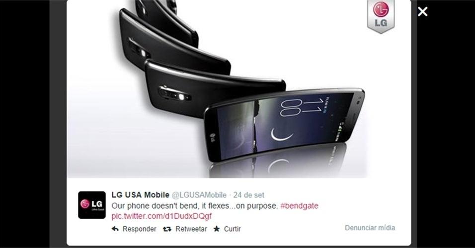 """LG (2014). No Twitter, a empresa ironizou o fato de alguns iPhones 6 Plus ficarem tortos ao deixá-los no bolso. O perfil da companhia postou: """"Nosso telefone não fica torto, eles pode ser dobrado...de propósito"""". Na publicação, a LG se refere ao smartphone LG G Flex"""
