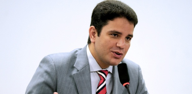 Gladson Cameli (PP) possui dois mandatos como deputado federal