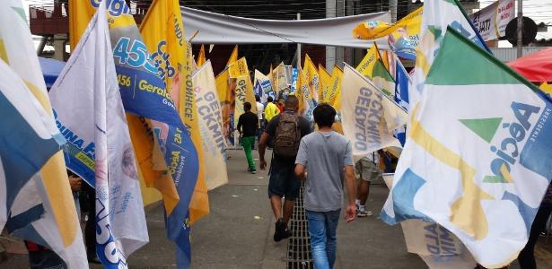 Usuários da CPTM driblam bandeiras em Osasco - Vinícius Segalla/UOL