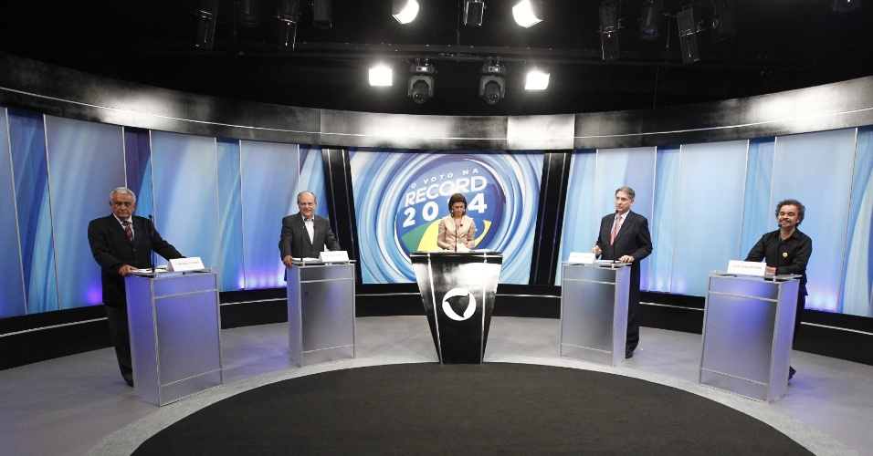 27.set.2014 - Candidatos ao governo de Minas Gerais participaram de debate promovido pela Rede Record em Belo Horizonte (MG), na noite desta sexta-feira