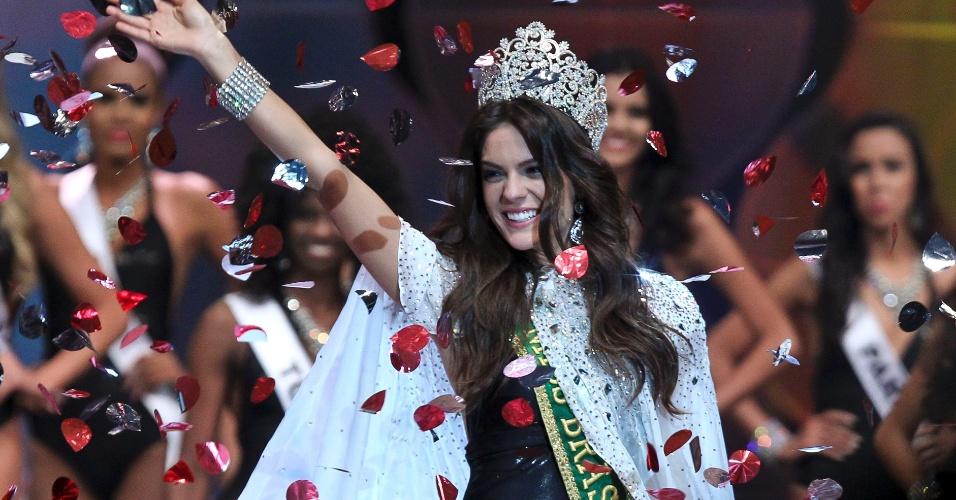 27.set.2014 - A representante do Ceará, Melissa Gurgel, foi eleita a Miss Brasil 2014 no concurso realizado na noite de sábado (27), em Fortaleza