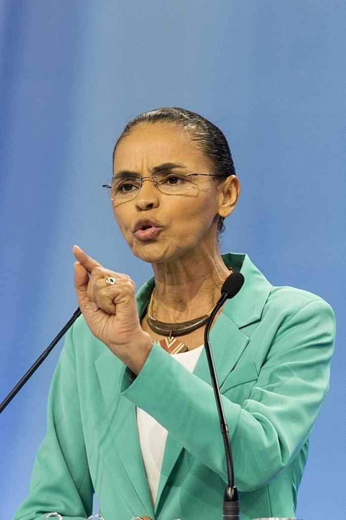 28.set.2014 - A candidata à Presidência Marina Silva (PSB) participa de debate promovido pela TV Record, neste domingo