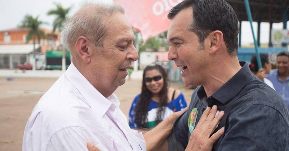28.set.2014 - Candidato ao governo pelo PT, Lúdio  Cabral faz campanha em Mato Grosso