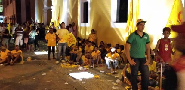 Atraso dispersa público e militantes pagos - Guilherme Balza/UOL