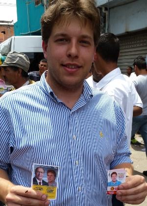 Candidato a deputado federal do PSB, Marcos Talarico fez duas versões de santinho: uma com Geraldo Alckmin e candidatos tucanos e outra com Marina Silva
