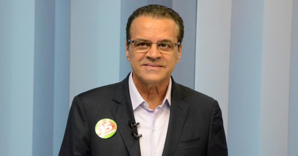 30.set.2014 - Henrique Eduardo Alves (PMDB) participa de debate entre os candidatos ao governo do Rio Grande do Norte, na InterTV Cabugi, afiliada da Rede Globo em Natal, na noite desta terça-feira (30)