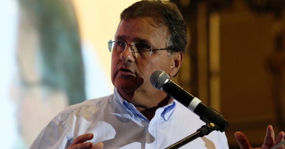 23.set.2014 - Geddel Vieira Lima discursa durante campanha na Bahia
