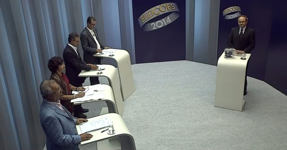 30.set.2014 - Candidatos ao governo de Sergipe participaram de debate realizado pela TV Sergipe, nesta terça-feira (30). Debateram Eduardo Amorim (PSC), Jackson Barreto (PMDB) e Sônia Meire (PSOL) e Airton da CGTB (PPL)