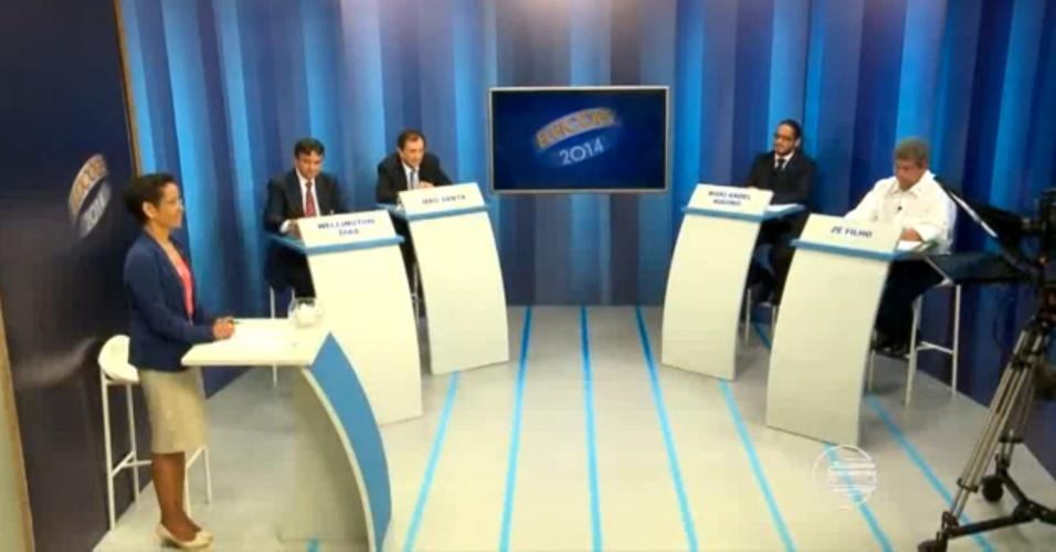30.set.2014 - Os candidatos ao governo do Piauí participaram de debata promovido pela TV Clube, nesta terça-feira (30). Participaram Mão Santa (PSC), Maklandel (PSOL), Wellington Dias (PT) e Zé Filho (PMDB)