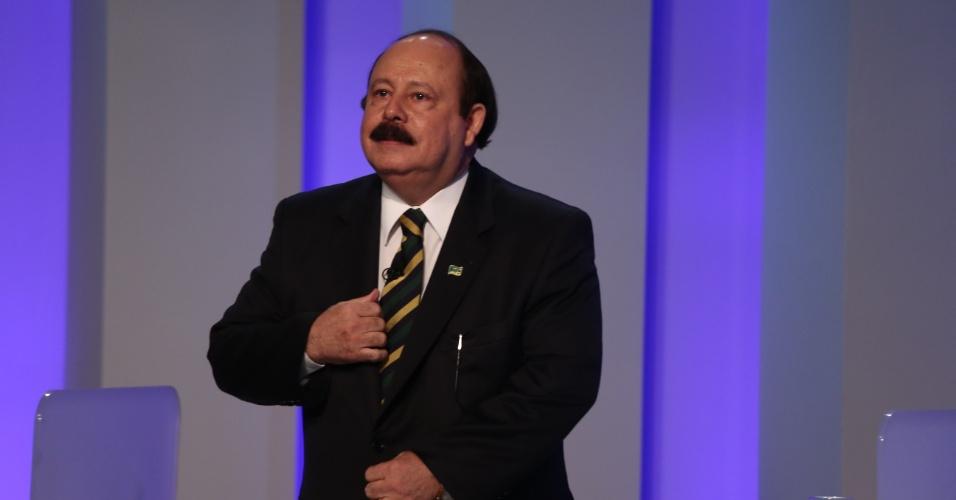 2.out.2014 - O candidato à Presidência Levy Fidelix (PRTB) participa de debate eleitoral nos estúdios da TV Globo, no Rio de Janeiro, na noite desta quinta-feira