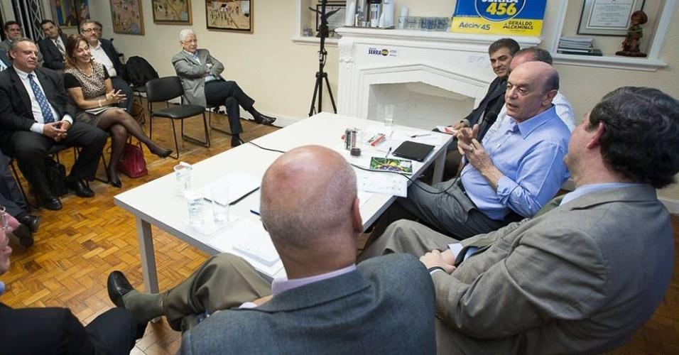 2.out.2014 - O candidato a senador José Serra (PSDB-SP) participou de encontro com associações empresariais sobre o combate ao contrabando de mercadorias