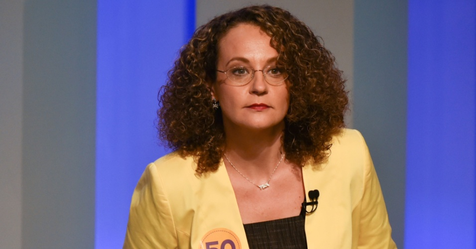 2.out.2014 - A candidata à Presidência da República Luciana Genro (PSOL) participa de debate promovido pela TV Globo, na noite desta quinta-feira