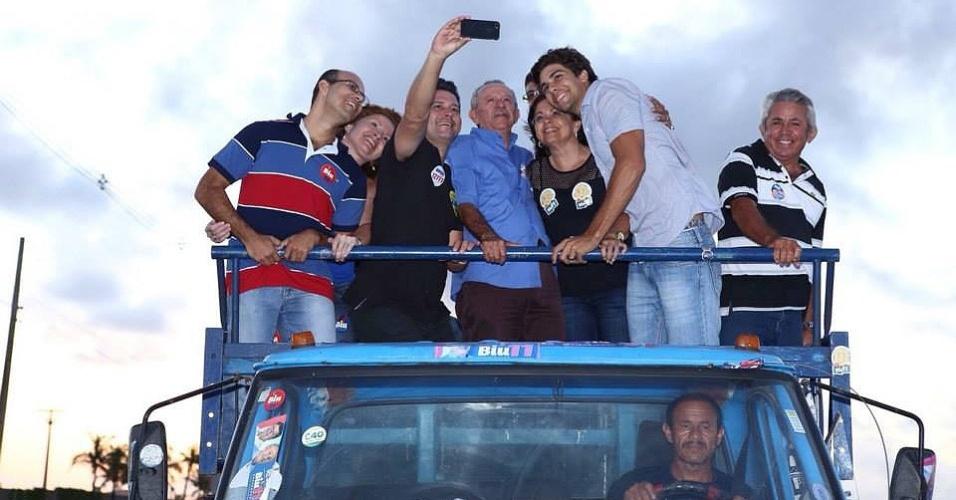 2.out.2014 - Benedito de Lira (PP), candidato ao governo de Alagoas, faz carreata em Barra de São Miguel