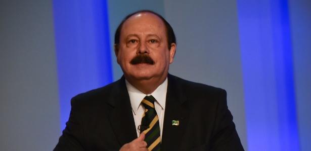 """""""Sou contra a cláusula de barreira, mas a favor da cláusula de roubalheira. Com ela, esses partidos seriam todos fechados"""", diz Levy Fidelix"""