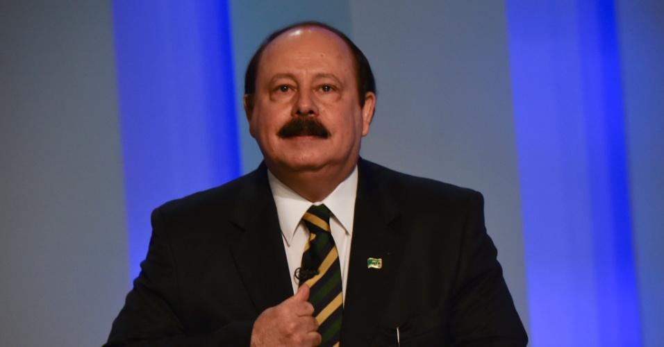 2.out.2014 - O candidato à Presidência da República Levy Fidelix (PRTB) participa de debate promovido pela TV Globo, na noite desta quinta-feira
