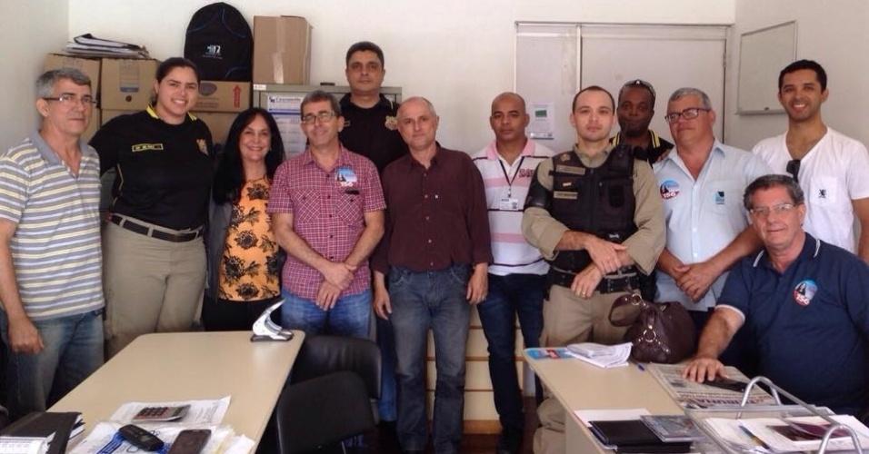 3.out.2014 - A candidata do PMDB capixaba ao Senado, Rose de Freitas, participa de reunião com profissionais da Guarda Portuária