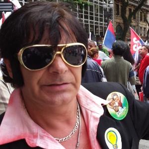 Dublê de Elvis apoia Dilma - Leandro Prazeres/UOL