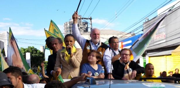 Marina encerra campanha em reduto petista ao lado de Erundina e ex-tucano - Guilherme Balza/UOL