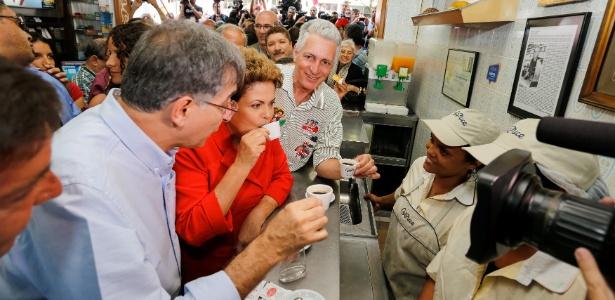 4.out.2014 -  A então candidata à reeleição, Dilma Rousseff (PT) ao lado (e) do então candidato ao governo de Minas Gerais, Fernando Pimentel