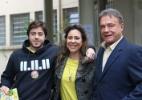 Depois de votar em Londrina, Álvaro Dias (PSDB) abraça mulher e filho - Gisele Pimenta/Frame/Estadão Conteúdo