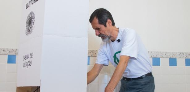 Eduardo Jorge vota em SP - Kevin David Brazil/Brazil Photo Press/Estadão Conteúdo
