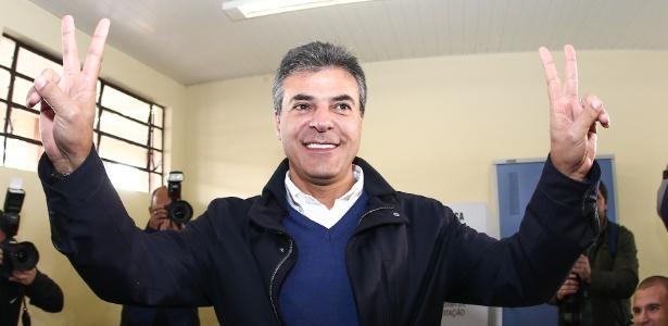 Reeleito, Richa faz campanha para Aécio - Geraldo Bubniak/AE