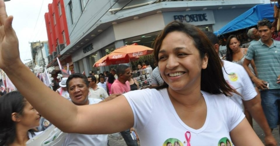 05.out.2014 - A jornalista Eliziane Gama (PPS), 37, conquistou em 5 de outubro a maior votação para o cargo de deputada federal pelo Maranhão, com 133.575 votos (4,34%). Atualmente no final de seu segundo mandato seguido como deputada estadual, a candidata do PPS chegou a disputar a prefeitura de São Luís em 2012, mas terminou em terceiro lugar, com quase 14% dos votos