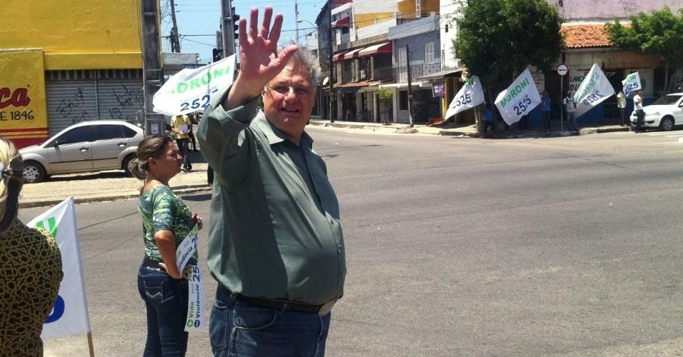 25.set.2014 - No Ceará, o candidato mais votado a deputado federal foi Moroni Torgan (DEM), 58, que obteve 277.774 votos (6,36%) nas eleições de 5 de outubro. Torgan já exerceu o mandato por 12 anos (entre 1991-1994 e 1999-2006), mas acumulou derrotas eleitorais para o Senado, em 2006, e para a Prefeitura de Fortaleza nas últimas quatro disputas (2000, 2004, 2008 e 2012)