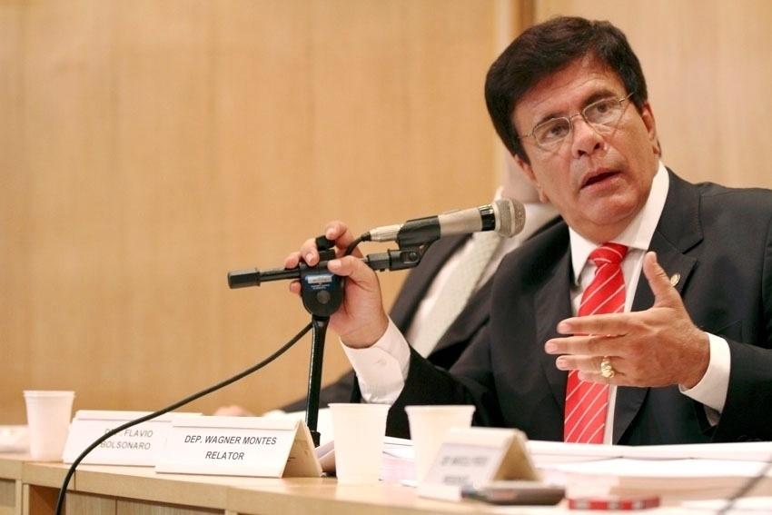6.out.2014 - O apresentador de TV Wagner Montes (PSD) teve 208.814 votos e foi o segundo candidato a deputado estadual mais votado no Rio de Janeiro. A votação dele representa 2,6% do total de votos válidos