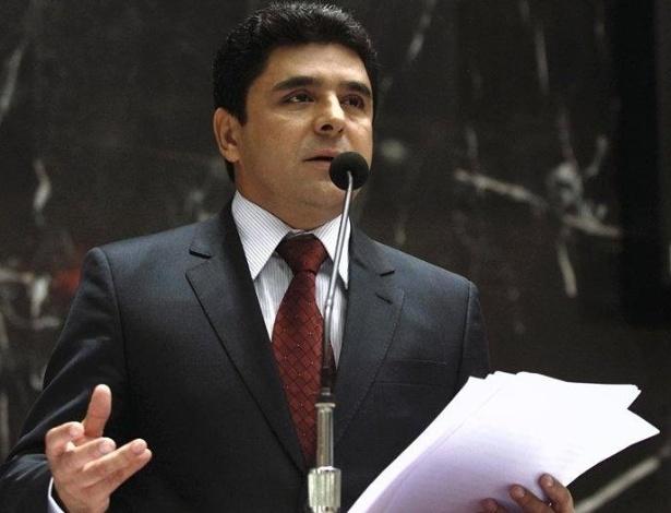 Eleito deputado estadual de Minas Gerais pela terceira vez consecutiva, Doutor Wilson Batista (PSD) recebeu 97.256 votos (0,94% do total) e foi o sexto mais votado do pleito. Em 2014, o médico-cirugião recebeu mais de 27 mil votos a mais do que em 2010, quando foi 29ª mais votado