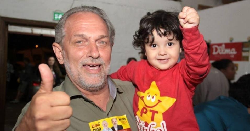 O deputado federal gaúcho Ronaldo Zulcke (PT) fez 93.926 votos, mas mesmo assim não conseguiu se manter na Câmara dos Deputados